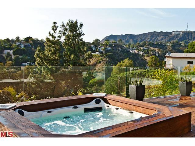 Hollywood hills high end flip los angeles real estate for 5544 tuxedo terrace