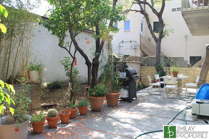 101-backyard.jpg
