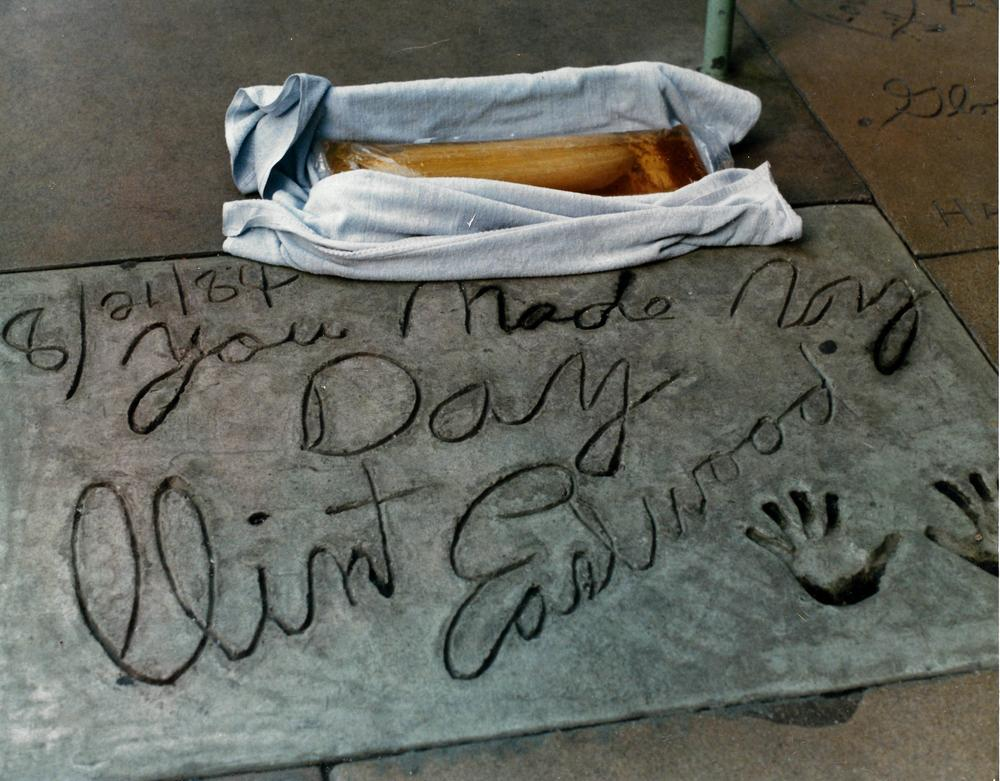 This is the pickle on the Hollywood Walk of Fame showing Clint Eastwood's prints and signature.