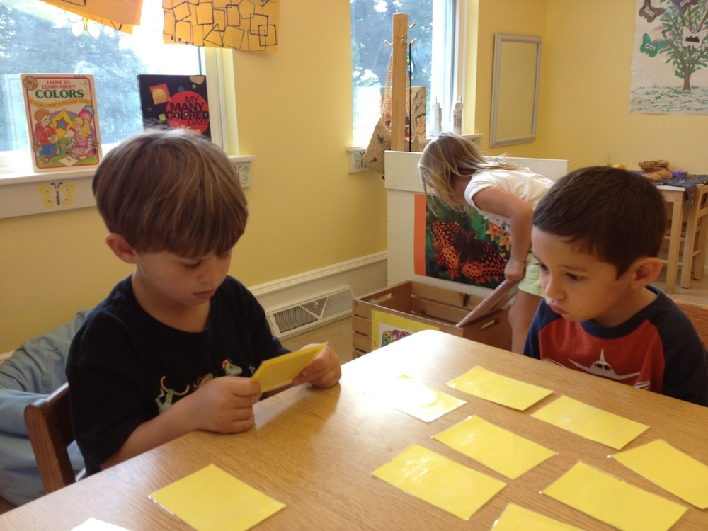 Gus and Jonas are playing the shape matching game