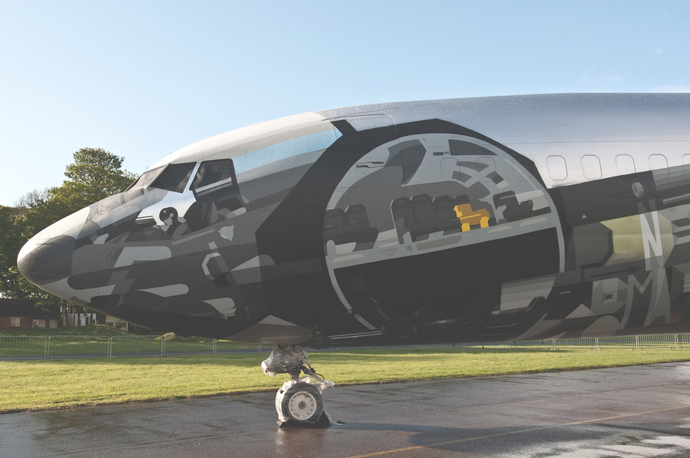 hangerone_graffiti_aeroplane_satone_roids