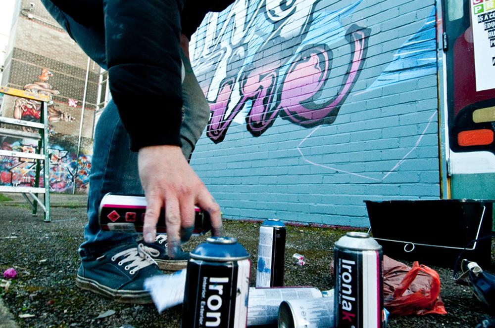 zesk-bristol-graffiti-hangfire