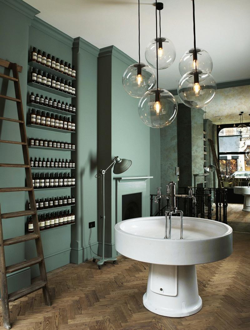 Aesop_StoreImage_London_Image_by_Lisa_Cohen.jpg