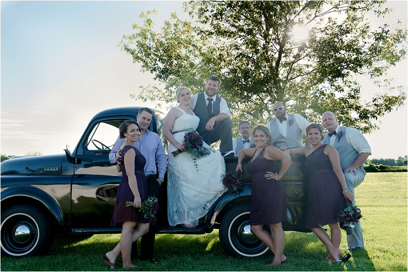 farm_wedding_old_truck