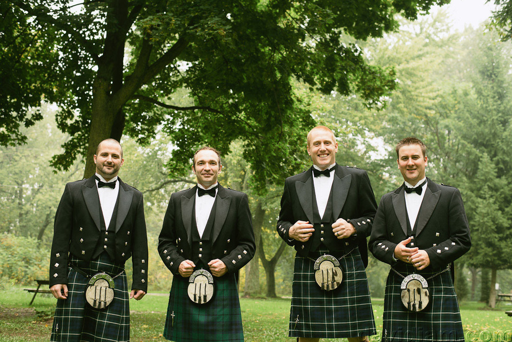 Pioneer-Villiage-London-Wedding-Photographer-018.jpg