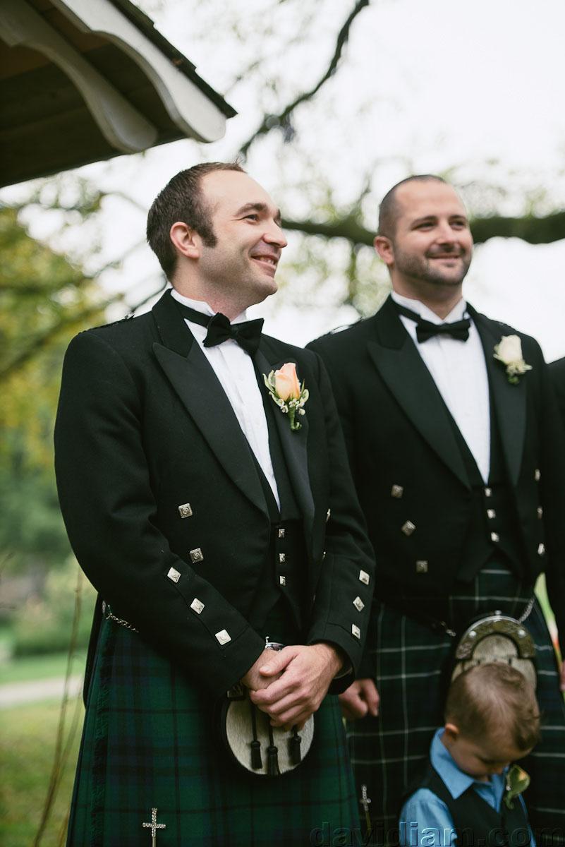 Pioneer-Villiage-London-Wedding-Photographer-027.jpg