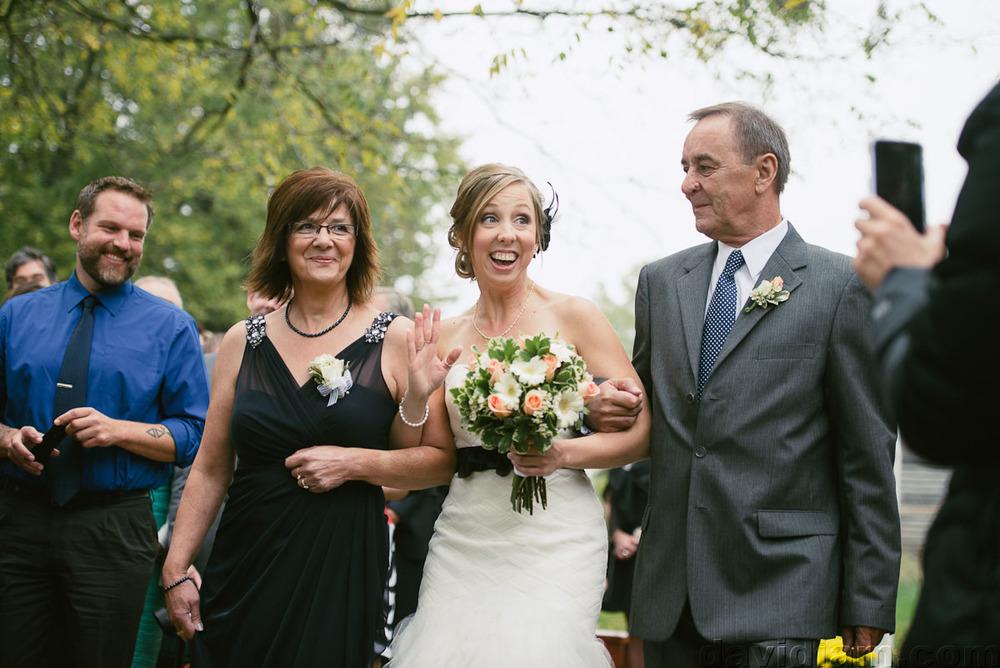 Pioneer-Villiage-London-Wedding-Photographer-028.jpg