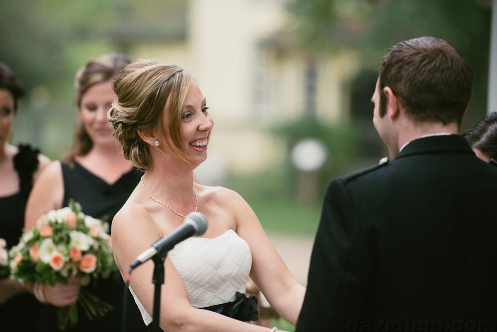 Pioneer-Villiage-London-Wedding-Photographer-035.jpg