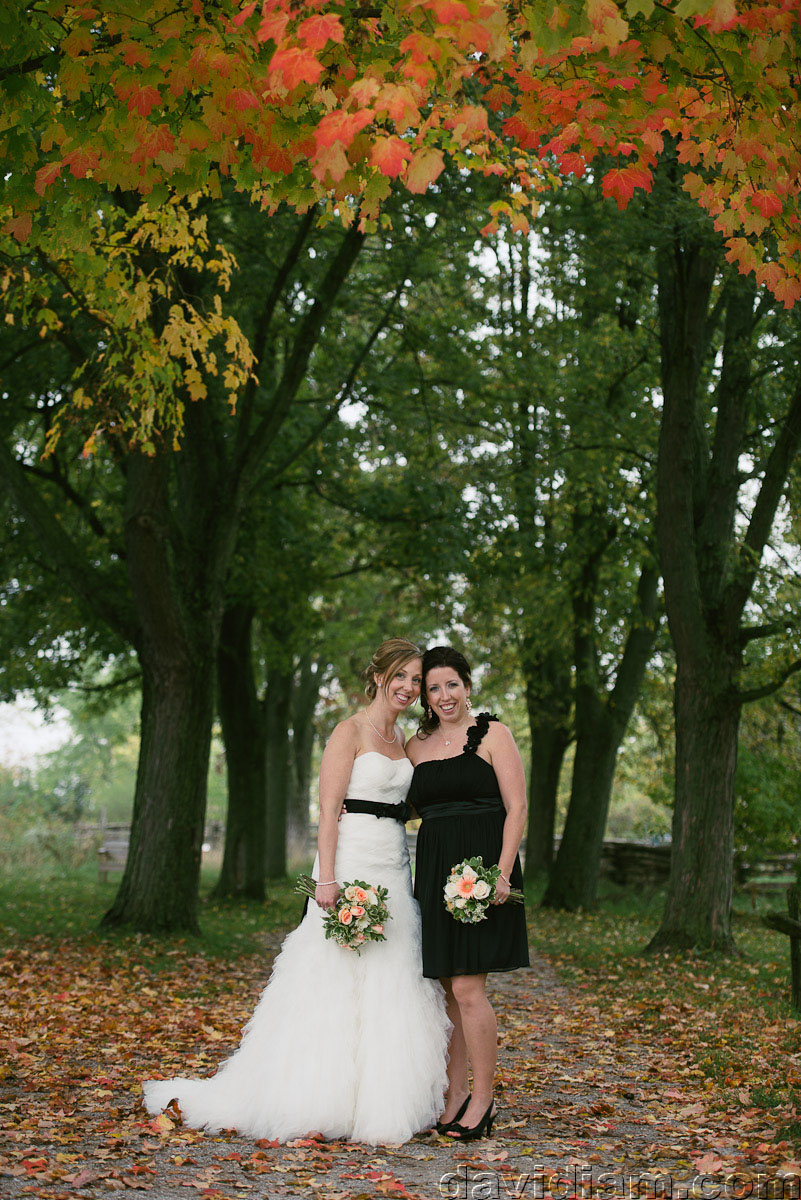 Pioneer-Villiage-London-Wedding-Photographer-042.jpg
