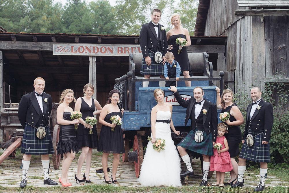 Pioneer-Villiage-London-Wedding-Photographer-046.jpg