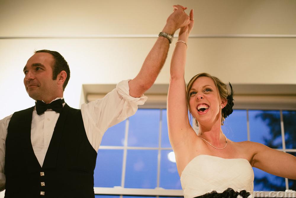 Pioneer-Villiage-London-Wedding-Photographer-066.jpg