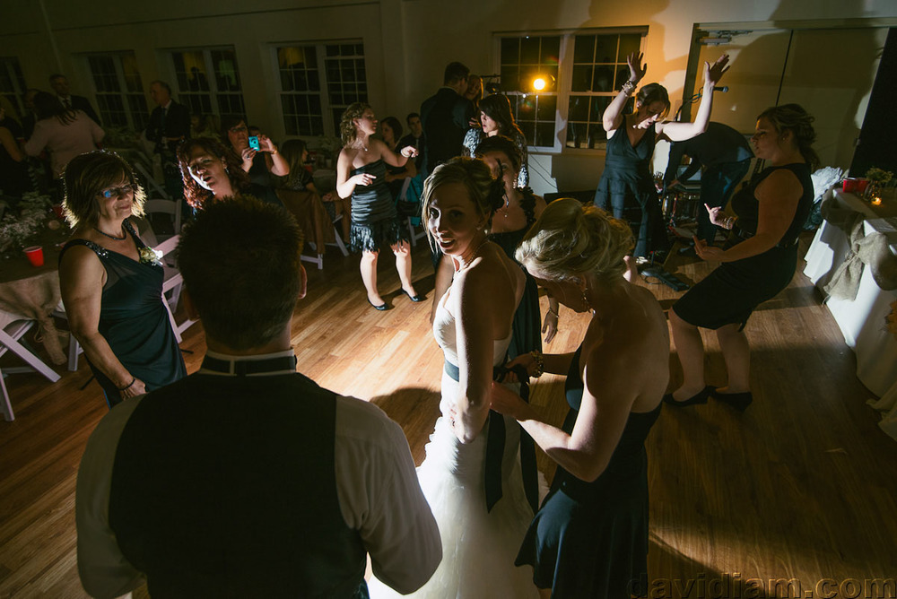 Pioneer-Villiage-London-Wedding-Photographer-086.jpg
