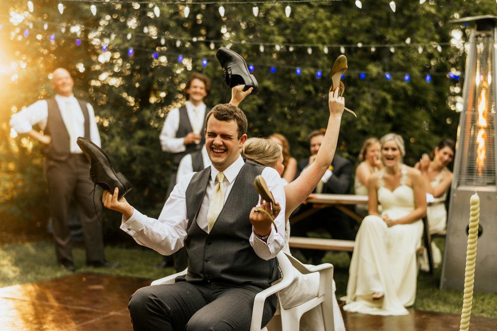 Forest-Motel-Stratford-wedding-shoe-game-001.jpg
