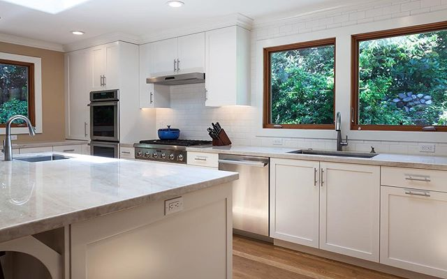 Always hard to decide which detail is our favorite in this space but the full height backsplash, expansive island and hillside garden views are at the top of the list!
