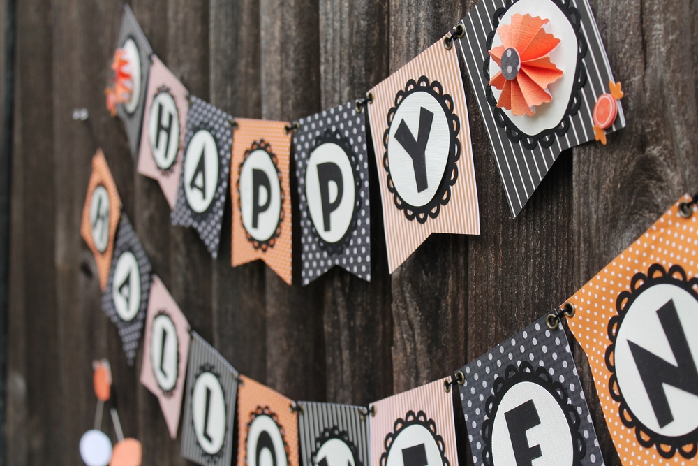 Halloween Baners and Garlands | maritza garcia