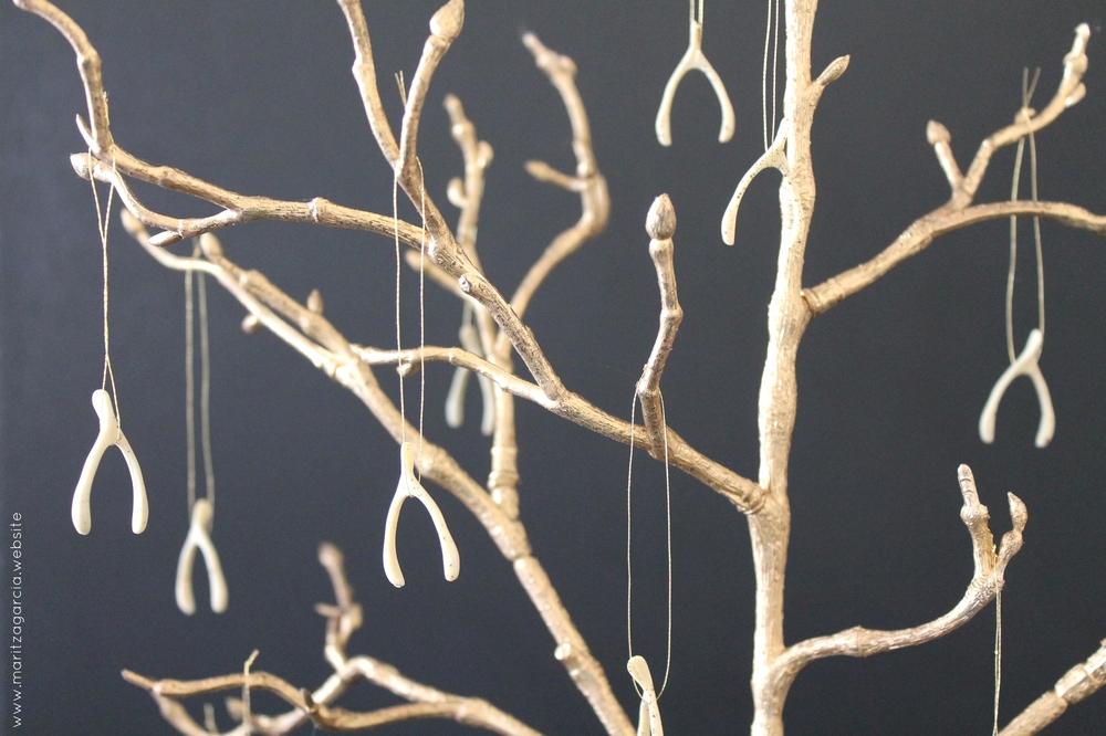 Thanksgiving DIY Wishbone Tree via Maritza Garcia.