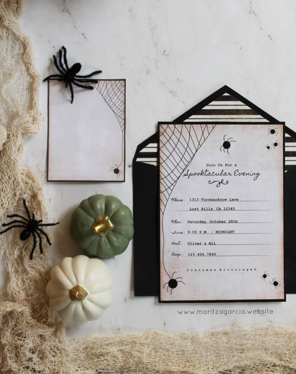 HOW TO CREATE YOUR OWN HALLOWEEN INVITATIONS. - USING YOUR SILHOUETTE CAMEO. by Maritza Garcia.