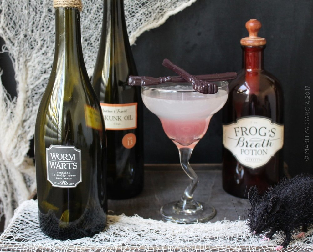 Witches Brew Cocktails wit Vanilla Candy Brooms | www.maritzagarcia.website