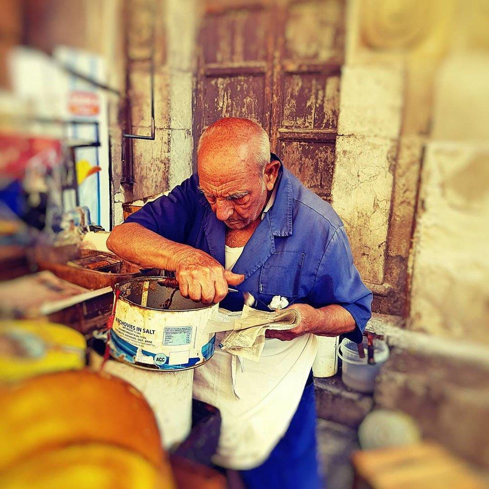 anchovy seller capo