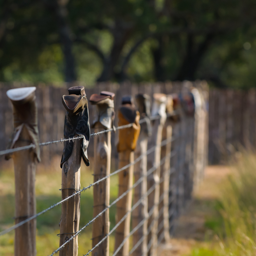 20131026_fence_boots_square.jpg