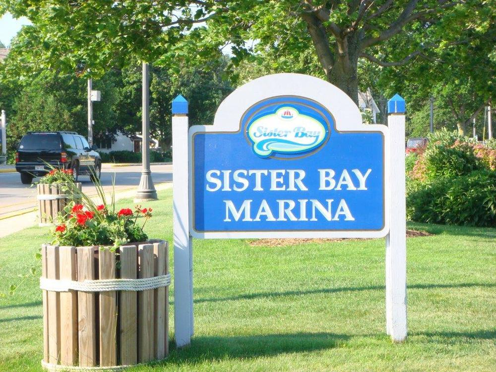 Marina Park Sign Close Up.jpg