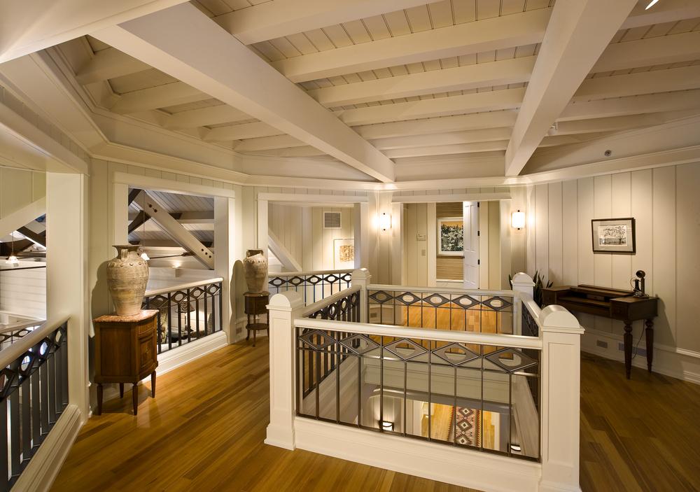 Foyer_upstairs.jpg