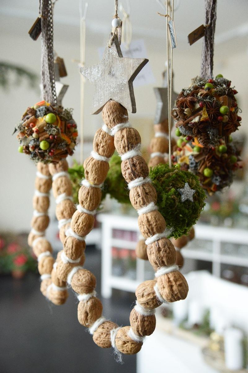 Gewürzkugel und Nussbäumchen