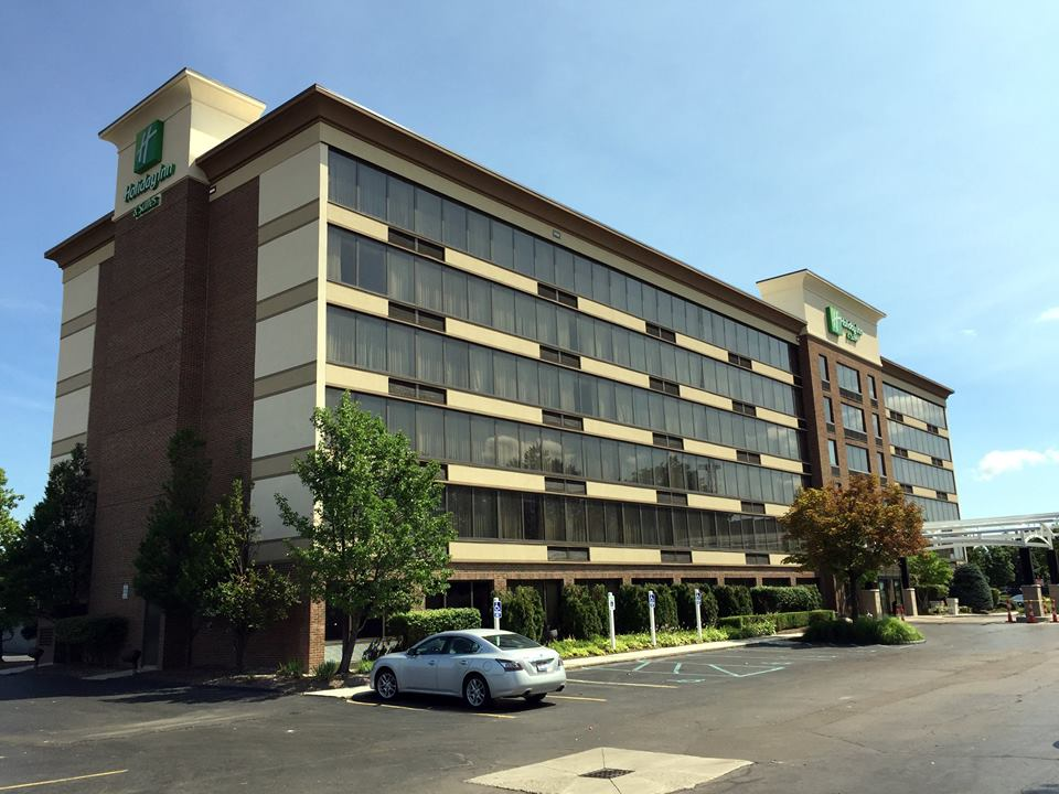 HOLIDAY INN - WARREN 3.jpg