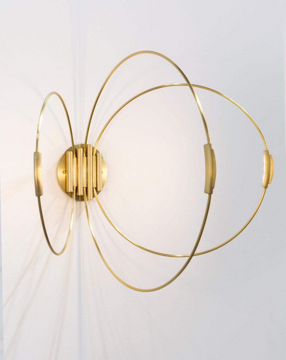 3-rings-sconce-elish-warlop-1.jpg