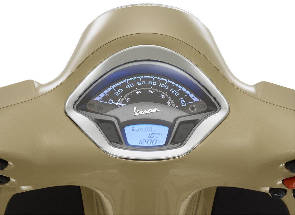 Vespa GTS 300 (19).jpg