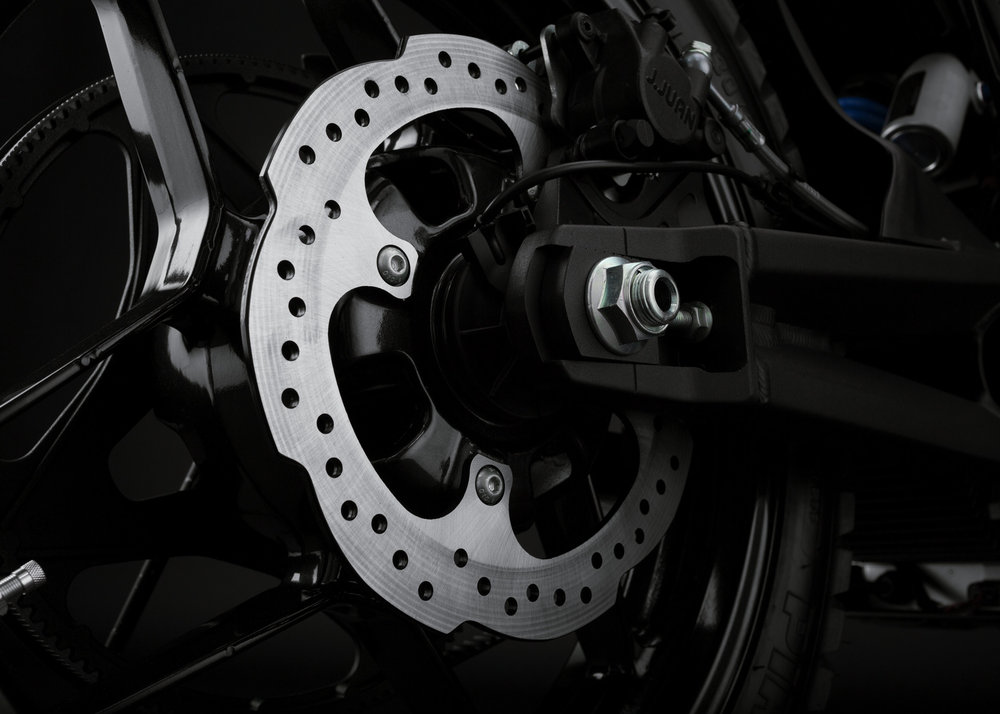 2016_zero-dsr_detail_rear-brake_1680x1200_press.jpg