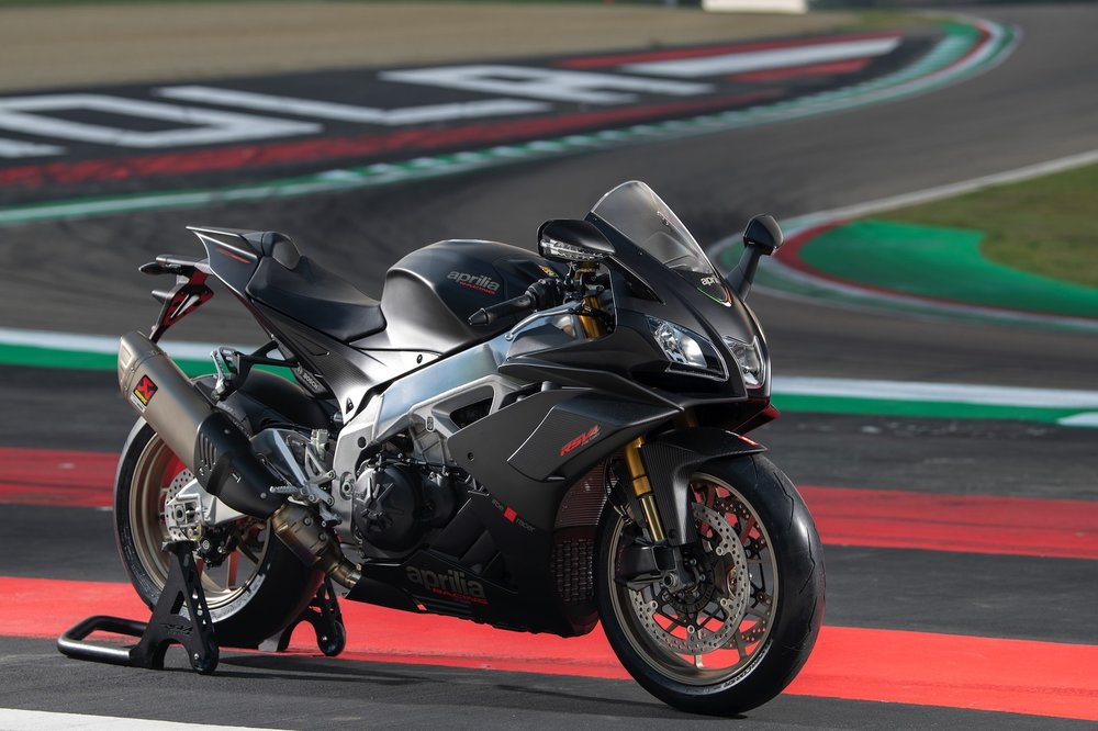 2019-Aprilia-RSV4-1100-Factory-First-Look-superbike-motorcycle-9.jpg