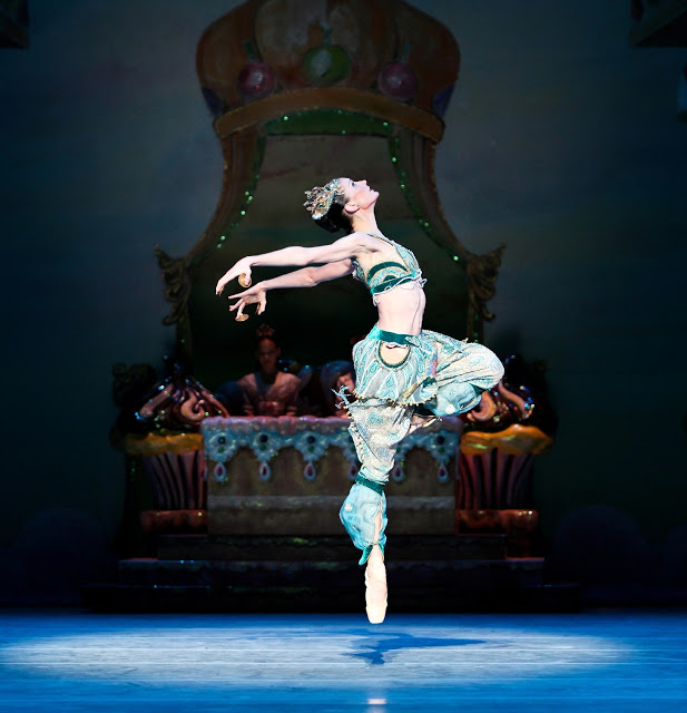 Pennsylvania+Ballet+Company+Member+Meredith+Reffner+in+George+Balanchines+Nutcracker+photo+by+alexander+iziliaev.jpg