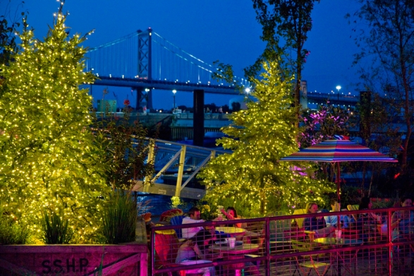 Spruce+Street+Harbor+Park+at+night+photo+M+Edlow+for+Visit+Philadelphia.jpg