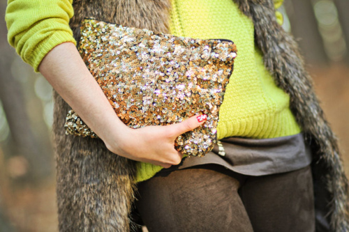 6+DRESS+fashion+Casual+Glam+RachaelRoy+fur+vest%252BYellow%252BZara+Sequin+purse+via+Glitter+Guide+tumblr+source+FashionChaletnet.jpg