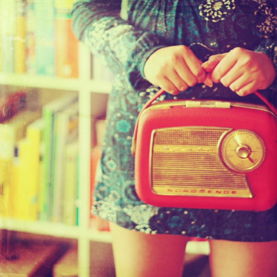 8+RADIO+and+girl+red+retro+by+Julia+Davila+Chaulafanita+Flickr+discovered+on+Rebeka+Conklin+pinterest.jpg