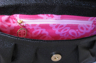 Lilly+Pulitzer+Glam+It+Up+purse+interior+3743.JPG