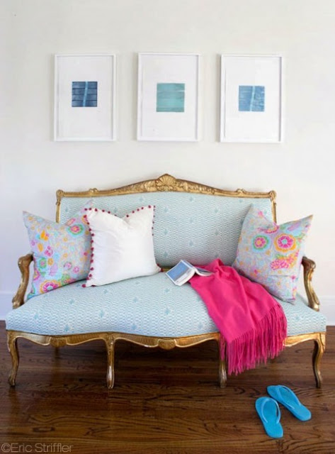 AWARD+6+Design+Chic+settee+via+hopscotch-and-grace.+photo+by+Eric+Strifflerjpg.jpg