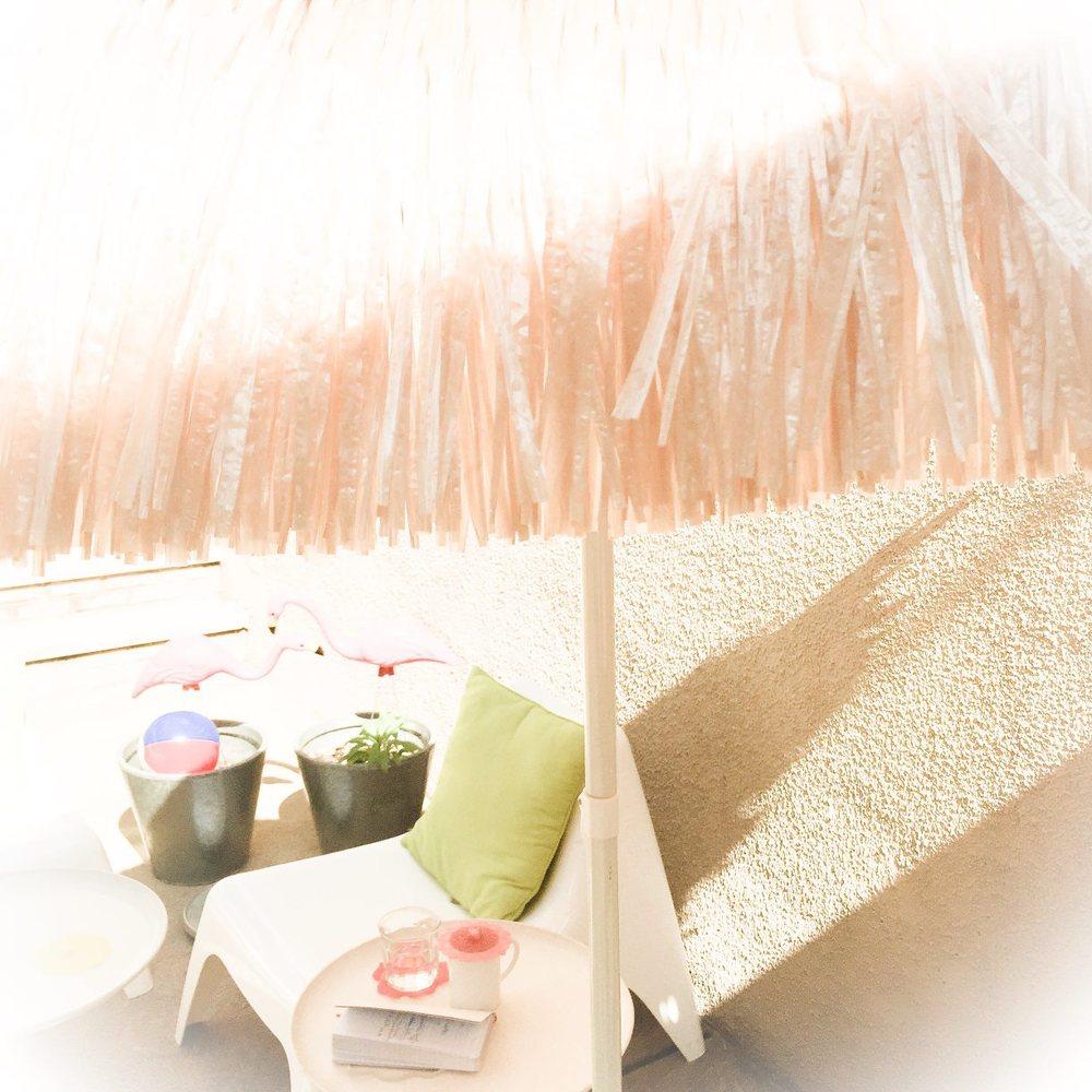 summer Style Maniac outdoor office palapa umbrella flamingos photo Doreen Creede