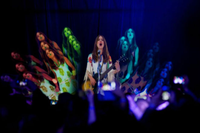 watch-hologram-feist-perform.jpg