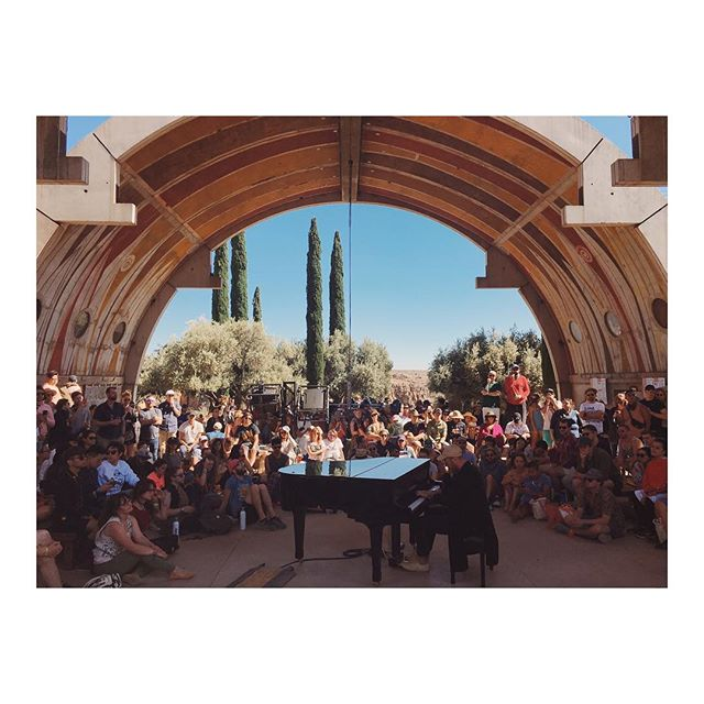 Still reeling from a weekend of absolute magic (Nicola) and exhaustion (Lauren) at @form festival in Arcosanti, AZ. Here's a pic of @bingandruth playing sweet, beautiful piano that bounced off the walls of this vault and drifted off in to the dusty canyon below. 😌