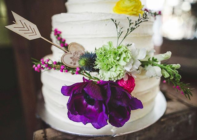 Amy & David cake details at @thegrounds 🍰