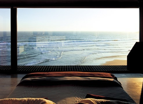 onecityatatime :      pumpkinpots :      sweethomestyle :     (via  obliteratedheart )   oh my mama         with a view like this, I would think I only need a bed in the room.