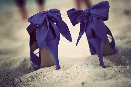 (via stylesatellite) ZOMG. i love ribbons and details! SO PRETTY!