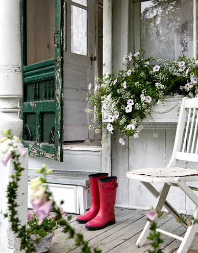 (via  prettyspace )   i've always loved walking in the rain, these wellies will definitely come in handy ;)