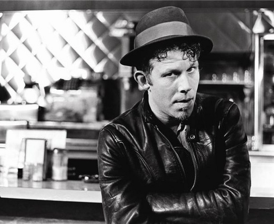 Tom_Waits_Pic_1296518745_crop_550x450.jpg