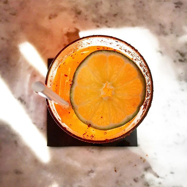 A few weeks ago I had some great food. Here's a drink shot from that meal because the lighting was beautiful. This place was so great! 👌🏼🍸