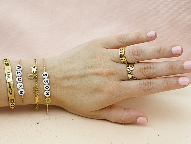 Ryan Porter creates custom jewelry for the girl boss
