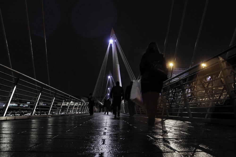 Lights_on_the_bridge.jpg