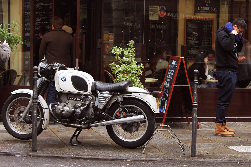 Paris_moto_close.jpg